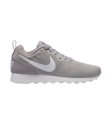 968ae4481b5283 stof tussen de rits verwijderen Nike Womens MD RUNNER 2 ENG MESH Sneakers