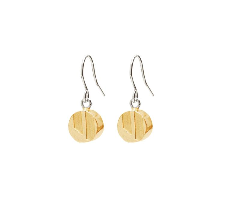 Wouters & Hendrix fine earrings with etched charm