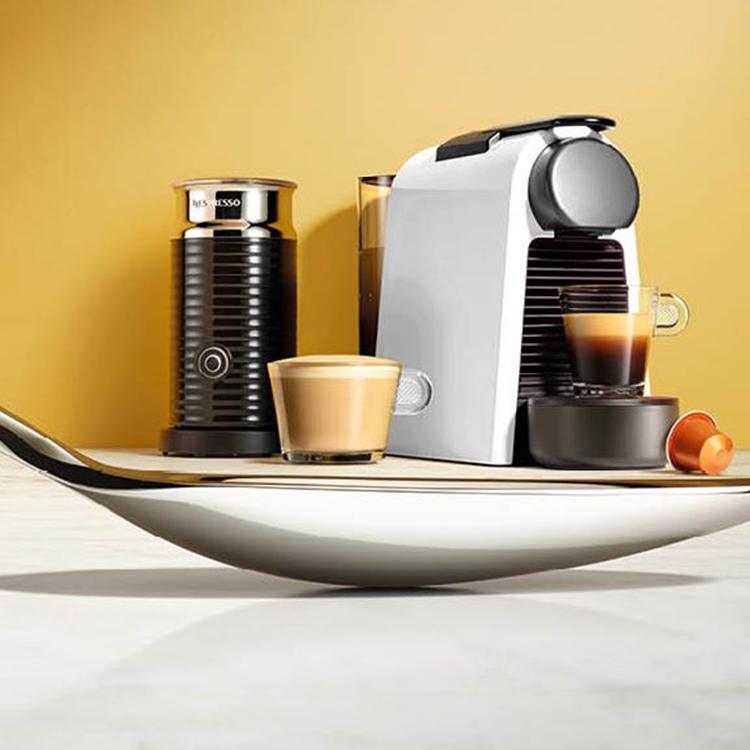 combideal magimix nespresso essenza aeroccino melkopschuimer. Black Bedroom Furniture Sets. Home Design Ideas