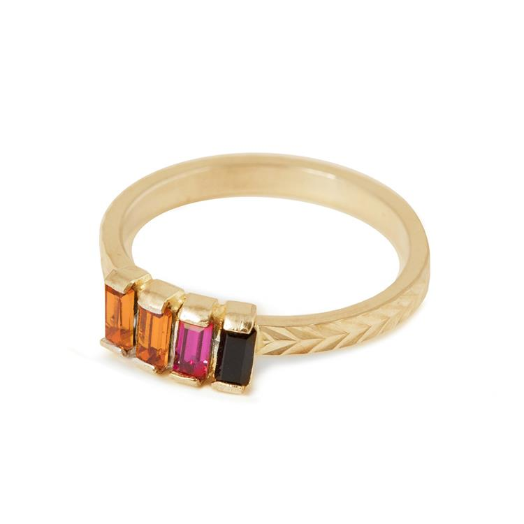 Wouters & Hendrix fine ring with rainbow colored crystals