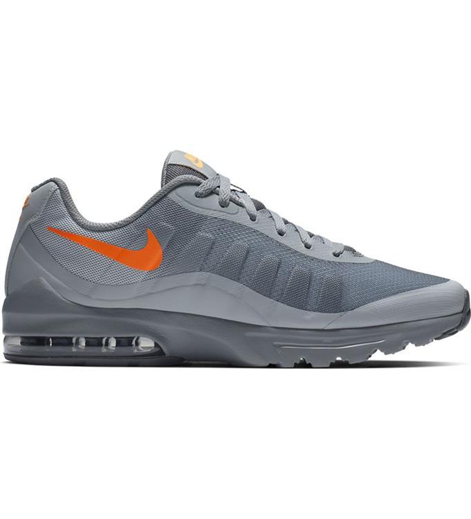d6944717eda Nike Air Max Invigor Sneakers M. vuren kozijn met deur