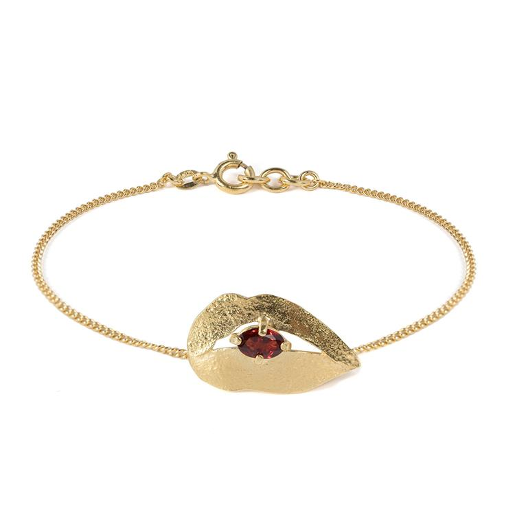 Wouters & Hendrix bracelet with lips and garnet