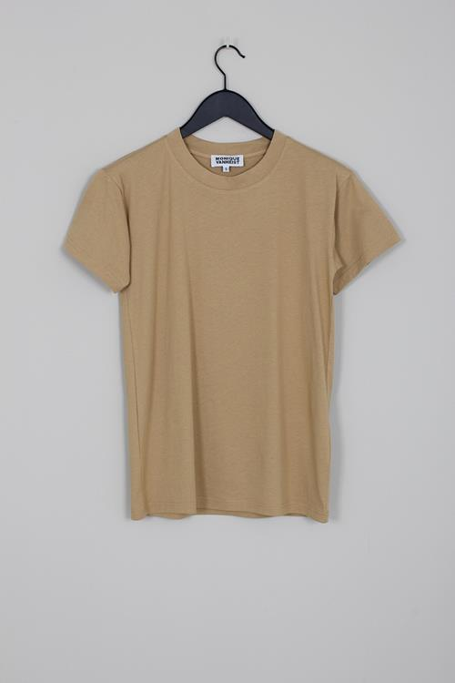 Monique van Heist boy beige jersey