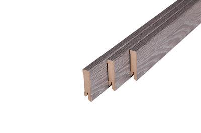 170 MDF Muurplint Studio Oak (15 x 60 mm. Lengte: 240 cm)