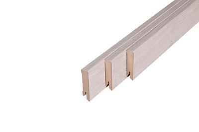 174 MDF Muurplint Stockholm Oak (15 x 60 mm. Lengte: 240 cm)