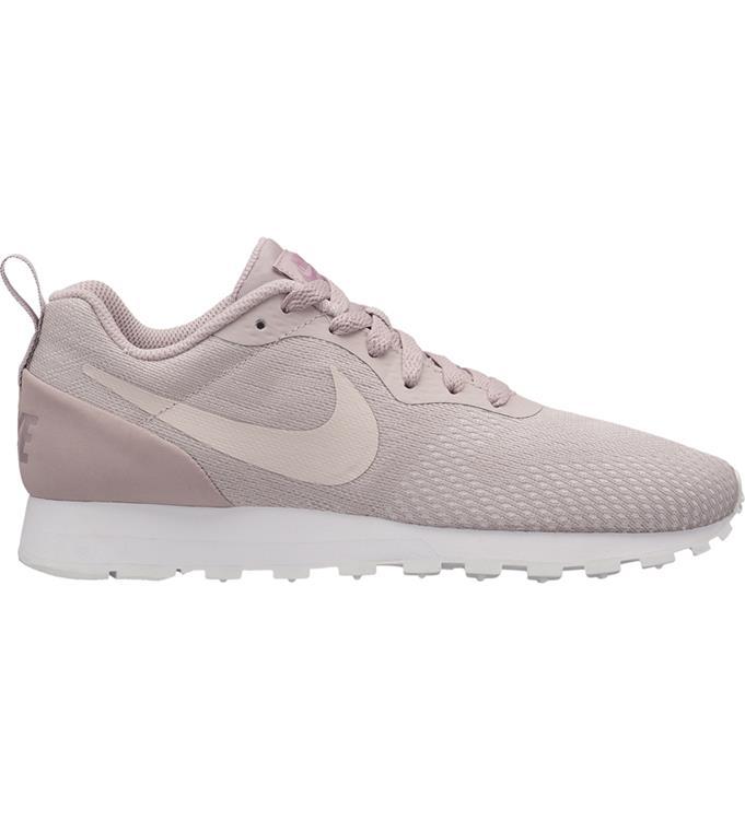 Nike Womens MD RUNNER 2 ENG MESH Sneakers