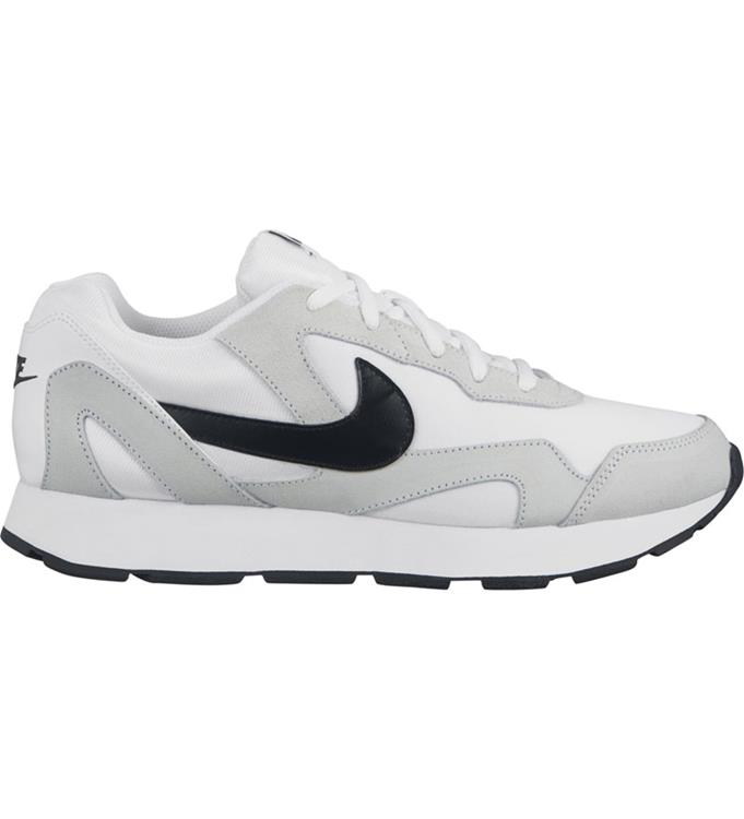Nike Delfine Sneakers M