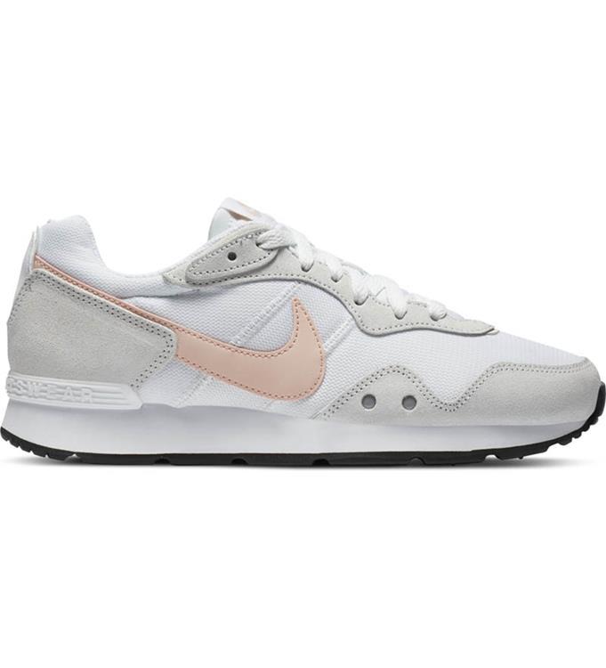 Nike Venture Runner Sneakers W