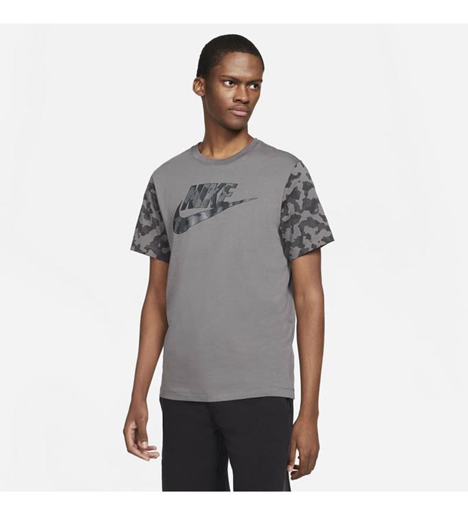 Nike Sportswear Futura Club T-Shirt M