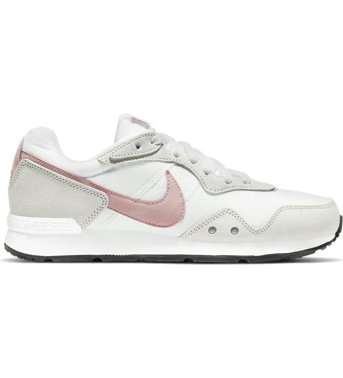Nike Venture Runner Womans Sneakers