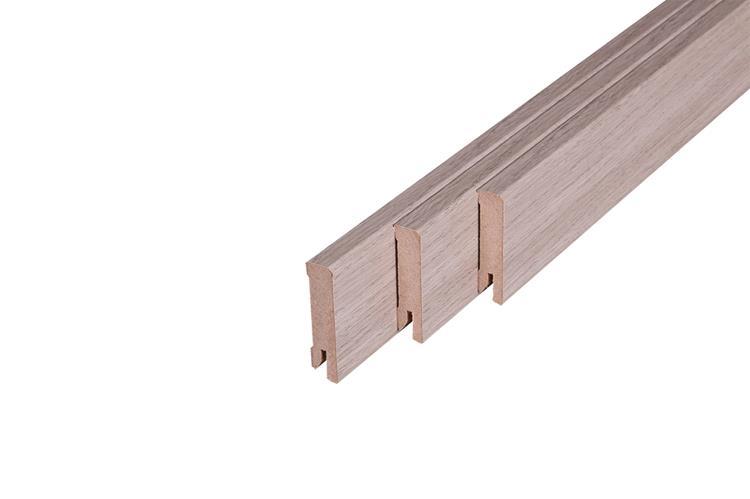 193 MDF Muurplint Grey Graft Oak (15 x 60 mm. Lengte: 240 cm)