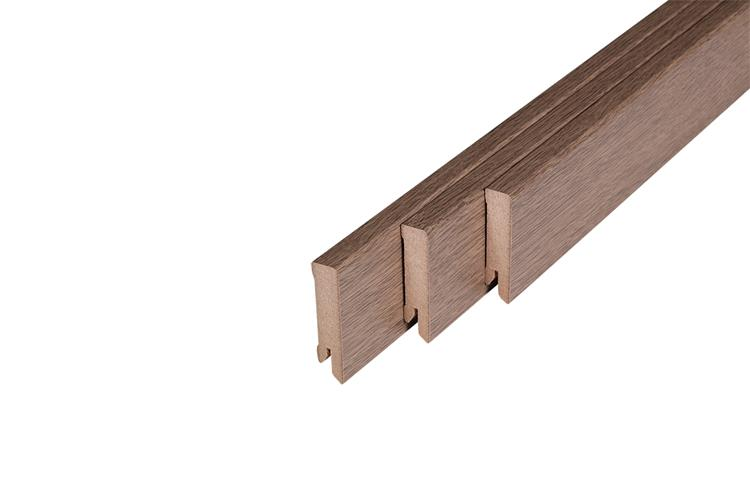 129 MDF Muurplint Arizona Oak (15 x 60 mm. Lengte: 240 cm)