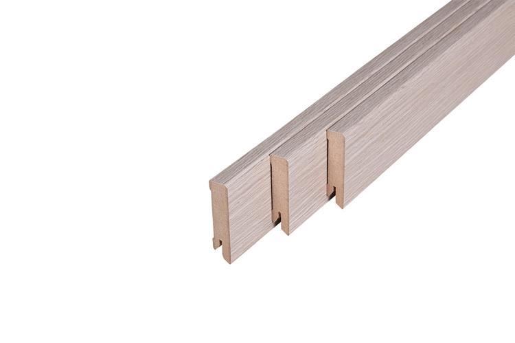 121 MDF Muurplint Heritage Oak (15 x 60 mm. Lengte: 240 cm)