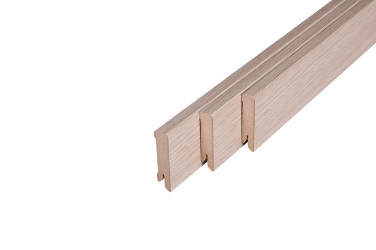 125 MDF Muurplint Nevada Oak (15 x 60 mm. Lengte: 240 cm)