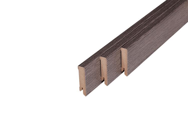 152 MDF Muurplint Haven Oak (15 x 60 mm. Lengte: 240 cm)