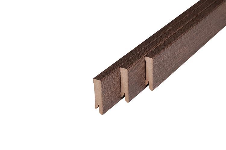 169 MDF Muurplint Shire Oak (15 x 60 mm. Lengte: 240 cm)