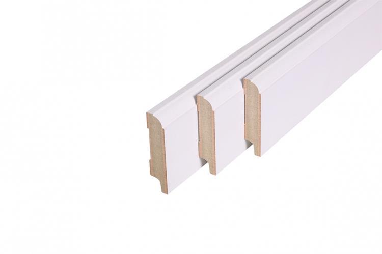 Kraalplint, MDF, wit gegrond FSC (18 x 79 mm. Lengte: 244 cm)