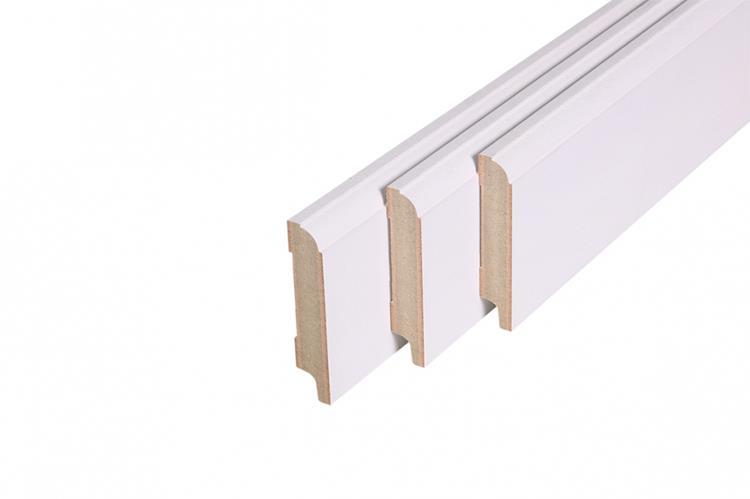 Kraalplint, MDF, wit gegrond FSC (18 x 119 mm. Lengte: 244 cm)