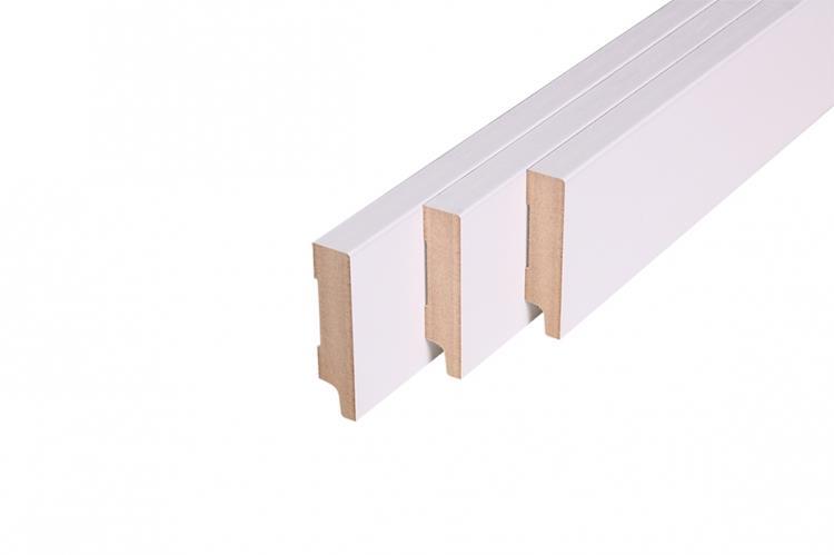 Rechte muurplint, MDF, R2 wit gegrond FSC (18 x79 mm. Lengte: 244 cm)